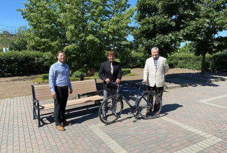 L'encan de vélos rapporte à Réseaux plein air Drummond