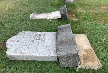 Vandalisme au cimetière de L'Avenir