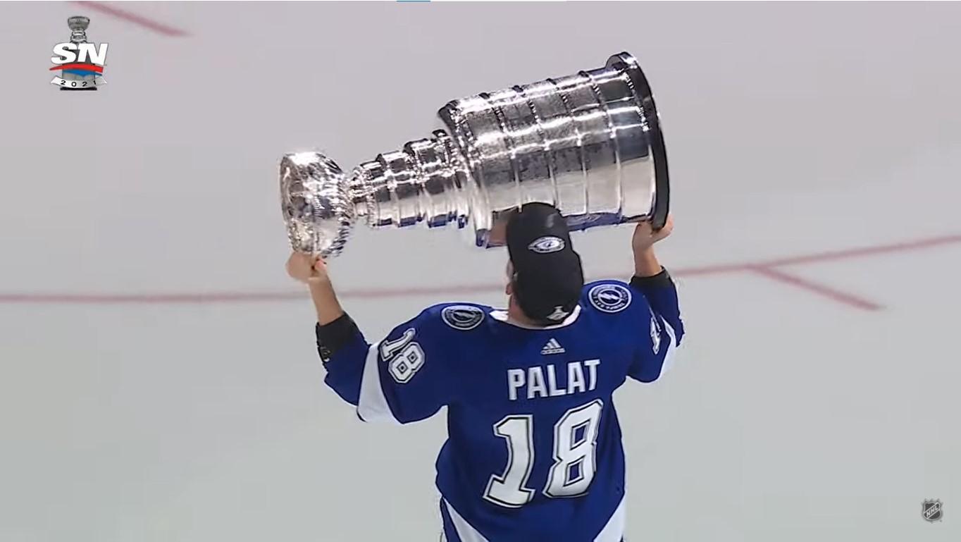 Palat et Barré-Boulet champions de la Coupe Stanley