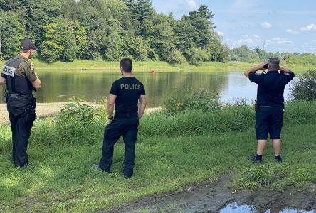 Un corps retrouvé dans la rivière Saint-François : l'identité révélée (mise à jour)