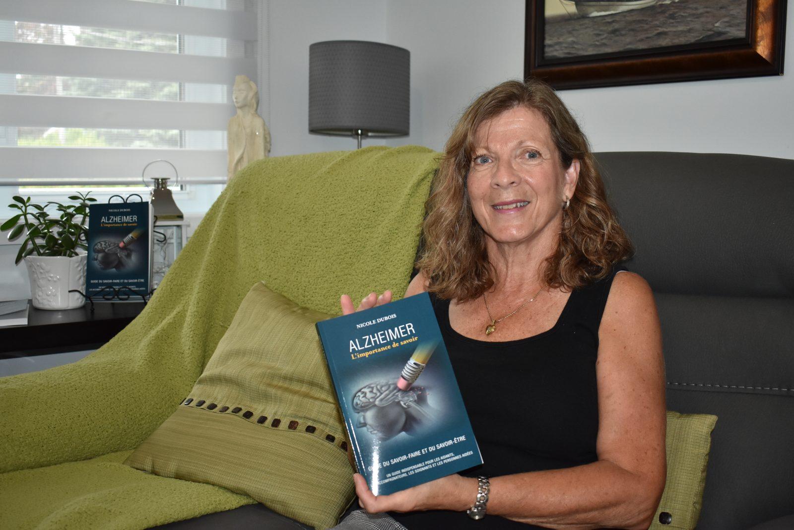 Une Drummondvilloise publie un guide pour démystifier la maladie d'Alzheimer