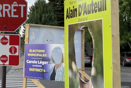Des pancartes électorales vandalisées dans le district 4