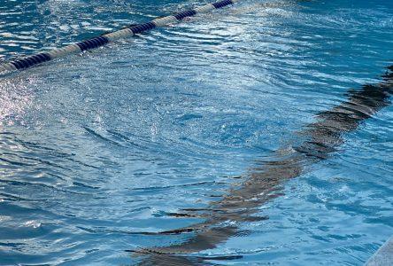 Des jets qui dérangent à la piscine Woodyatt