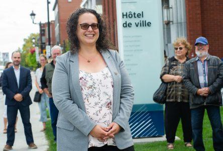 Stéphanie Lacoste est officiellement candidate à la mairie