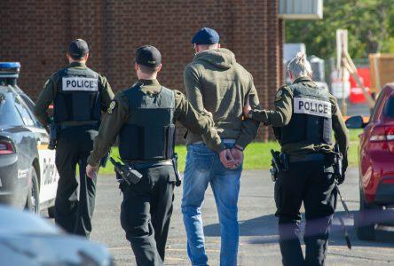 Intervention policière sur la rue Heriot (Mise à jour)