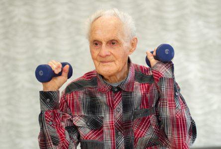 À 100 ans, il marche, pédale et fait sa gym chaque semaine